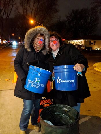Candy Cane Lane Raises Over $2,500 for MACC Fund on North Shore Bank Night