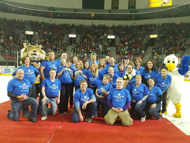 North Shore Bank and Green Bay Gamblers Dash for Cash 2017
